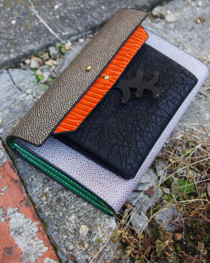 Wallet L/ OUT-OF-THE-BOX