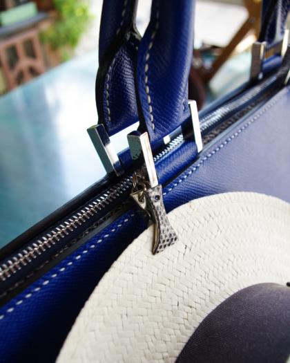 Bag L/  ELECTRIC BLUE